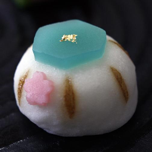 ぼんぼり(白雪平求肥)